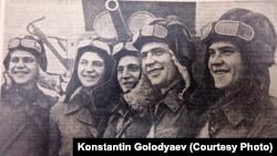 """Братья Игнатовы в 1940 году. Снимок из газеты """"Правда"""""""