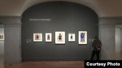 موزه هنر آمریکا در واشینگتن این روزها ۱۵۵ نمونه از مهمترین نقاشیهای بیل تریلر را به نمایش گذاشته است