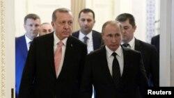 اردوغان و پوتین پس از ماهها تنش، در پی کودتای ترکیه، با یکدیگر دیدار کردهاند