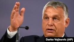 """Viktor Orban și-a atras criticile Bruxelles-ului promovând legea anti-LGBT. Comisia Europeană a numit legea drept """"o rușine""""."""