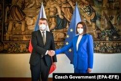 Сьвятлана Ціханоўская і прэм'ер Чэхіі Андрэй Бабіш. 8 чэрвеня 2021 году.