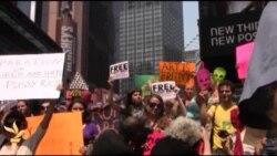 Акция в Нью-Йорке в поддержку Pussy Riot