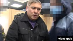 Камчыбек Көлбаев кармалган учур. Бишкек. 2020-жылдын 22-октябры
