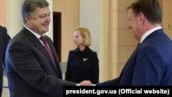 Петро Порошенко і Маріс Кучінскіс