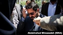حکم دو سال زندان آقای مرتضوی در آذرماه امسال قطعیت یافته بود.