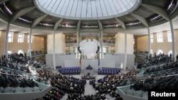 نمایی از صحن پارلمان آلمان، بوندستاگ