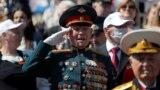 На парада в Москва повечето участници бяха без маски
