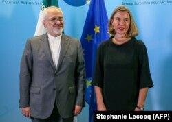 محمد ظریف روز سهشنبه ۲۵ اردیبهشت در بروکسل با مسئول سیاست خارجی اتحادیه اروپا و همچنین وزیران خارجه بریتانیا، آلمان و فرانسه دیدار و در باره آینده برجام گفتوگو میکند.