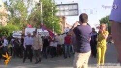 Ermənistanda mitinqlər başlandı