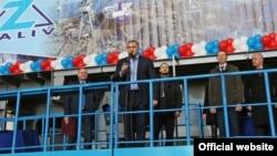 Подконтрольный России глава Крыма Сергей Аксенов на «национализированном» судостроительном заводе «Залив»