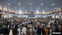 Loýa Jirganyň agzalary Kabulda maslahata gatnaşýar. 21-nji noýabr, 2013.