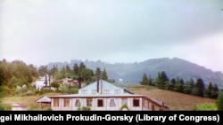 The main building on the Chakvi tea estate. These color images were taken by the famed Russian photographer Sergei Mikhailovich Prokudin-Gorsky as he documented the Russian Empire at the end of the tsarist-era.
