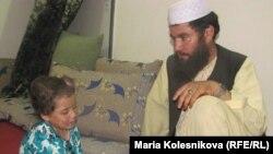 یک فامیل افغانی مقیم در پاکستان