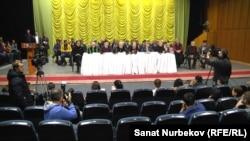 Казахстанские актеры на пресс-конференции в защиту Ерлана Билала.