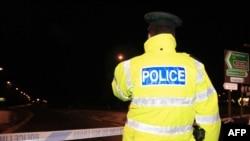 Полиция блокирует дороги, ведущие к месту нападения