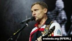 Лідэр гурту «Воплі Відаплясава» Алег Скрыпка