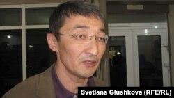 Бақытжан Қашқымбаевтың адвокаты Нұрлан Бейсекеев. Астана, 21 маусым 2012 жыл.