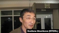 Евлоевтің адвокаты Нұрлан Бейсекеев.