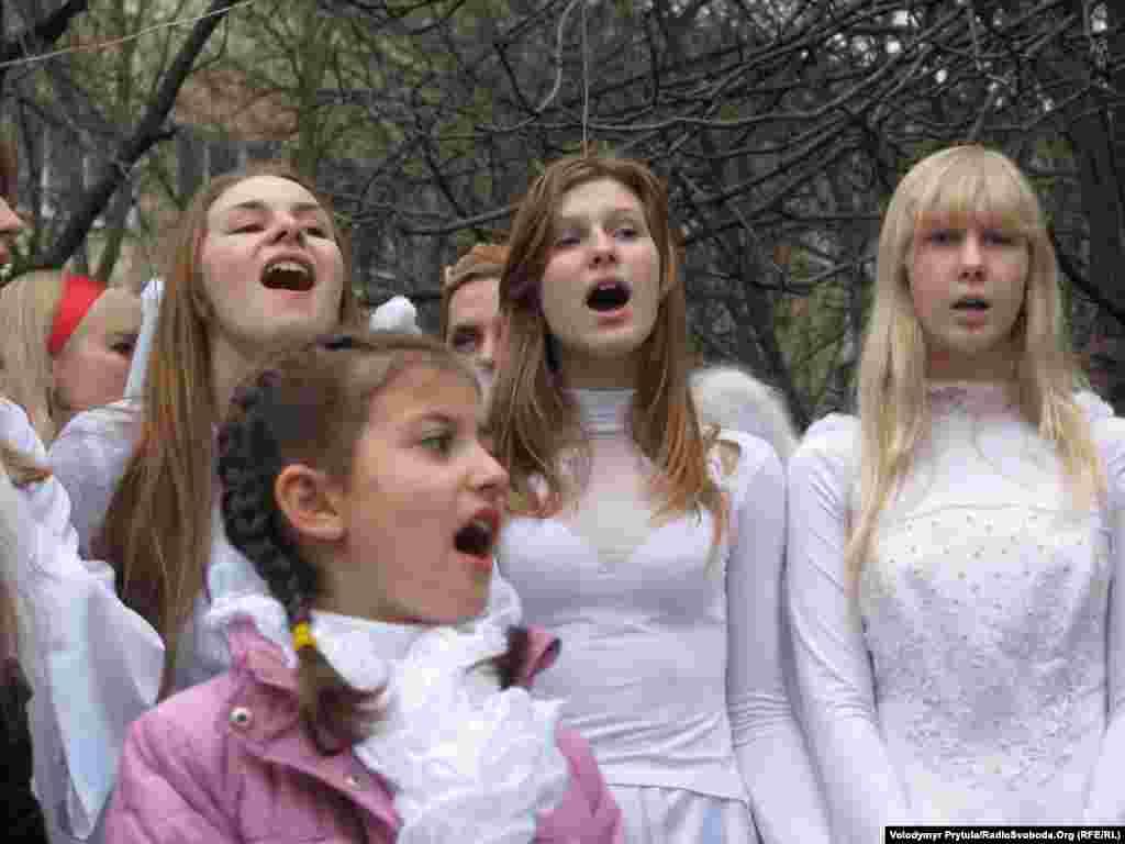 Ангели співають…