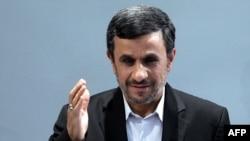 مناسبات میان محمود احمدی نژاد و مجلس شورای اسلامی طی هفته های اخیر دچار تنش های زیادی شده است.