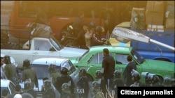 یکی از تصاویر ارسالی توسط شهروندان روزنامهنگار در مورد حضور سنگین نیروهای امنیتی در روز ۲۵ بهمن ماه در تهران