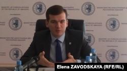 Кан Тания заявил, что, сумев законодательно оформить Представительство в Италии, абхазский МИД «протоптал дорожку» и планирует продвигаться по ней дальше