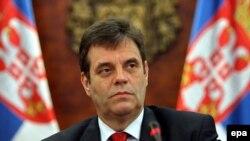 К журналистам вышел премьер-министр Сербии Воислав Коштуница - cначала он заявил, что Совет Безопасности отверг предложения Мартти Ахтисаари
