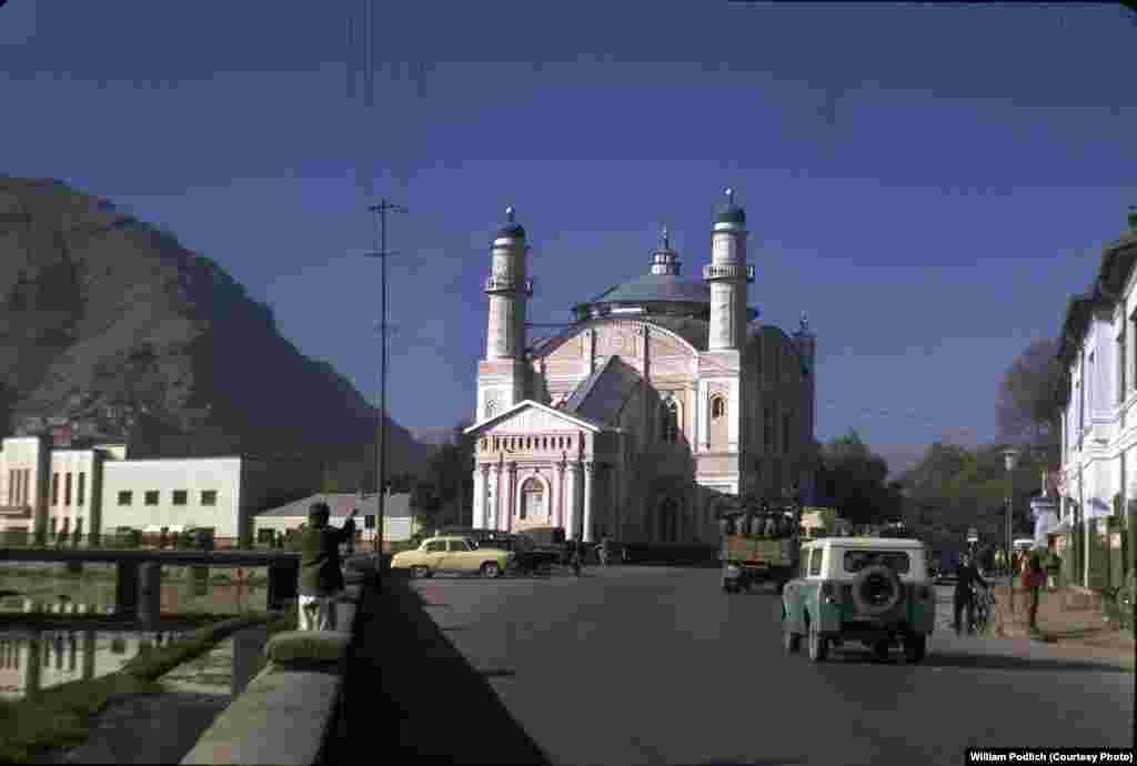 The Shah-Do Shamshira Mosque, near the Kabul River