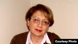 Директор Института мира и демократии Лейла Юнус, 2013