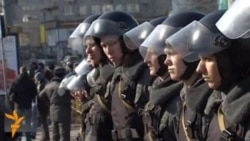 Russian Protesters Detained On Margins Of Mass Rally