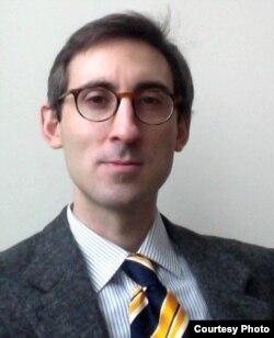 Никола Контесси, исследователь Йоркского центра исследований Азии в Канаде.