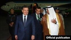 21 май куни Мирзиёев мусулмон мамлакатлари ва АҚШ саммитида иштирок этиш учун Саудия Арабистонига келди.