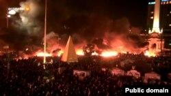 Киевтегі тәуелсіздік алаңы - Майдан. 18 ақпан 2014 жыл. Телеарна хабарынан скрин-шот.