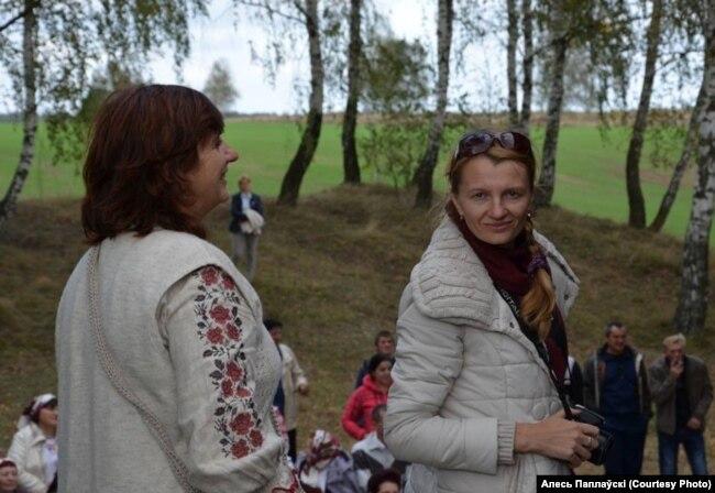 Іна Хоміч (справа)