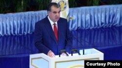Tajik President Emomali Rahmon delivers his annual speech to the Tajik parliament on April 26.