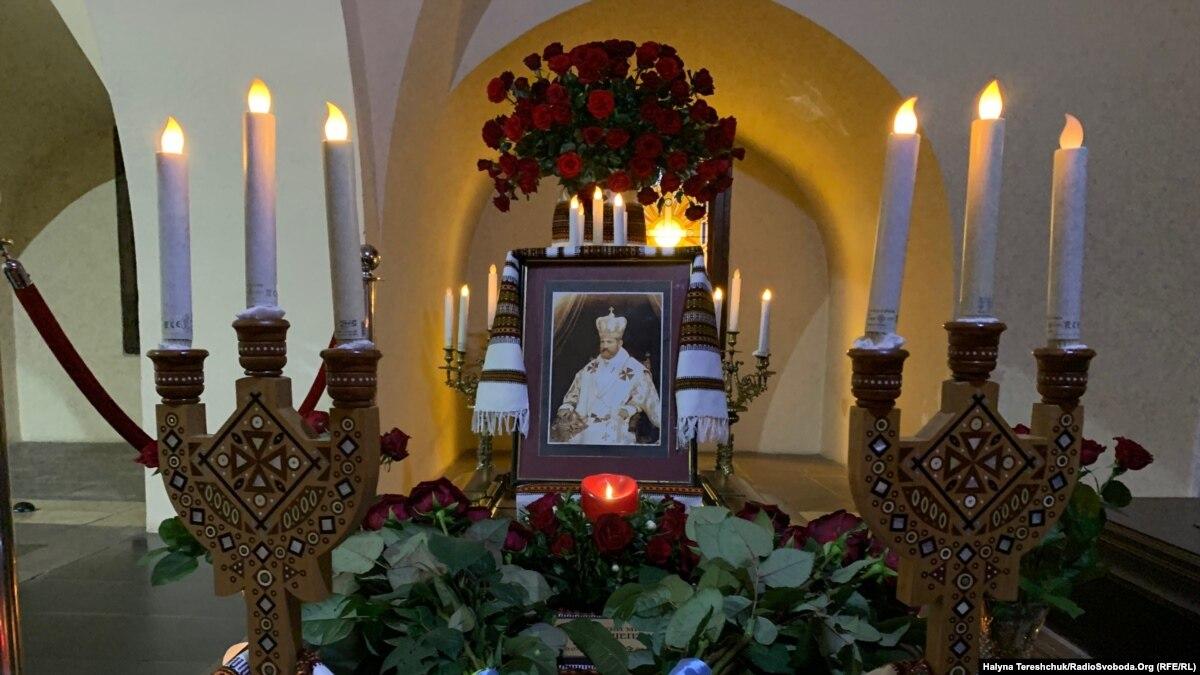 Львовяне чтят память митрополита Андрея Шептицкого – фото