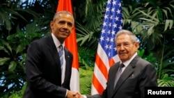 Bivši američki predsjednik Barack Obama i kubanski lider Raul Castro, prilikom posjete Havani u 21. marta 2016.