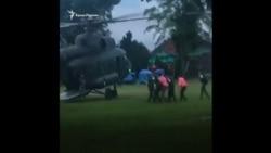 Спасательная операция в Таиланде: 8 из 12 детей вызволены из пещеры (видео)