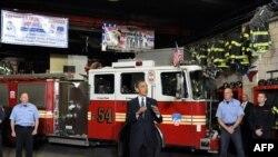 Обама на пожарной станции в Нью-Йорке