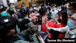 Confruntări între protestatari și forțele de ordine în Hong Kong