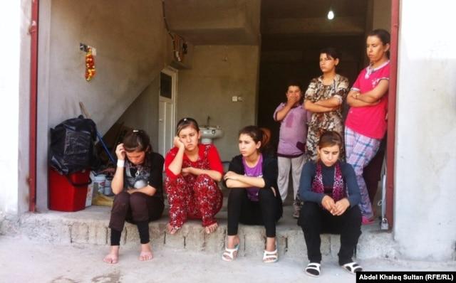 Беженки-езидки. Граница Ирака и Сирии. Сентябрь 2014 года