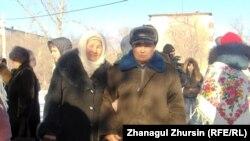 Участник забега Толеу Орымбаев с супругой Розой. Актобе, 10 февраля 2013 года.