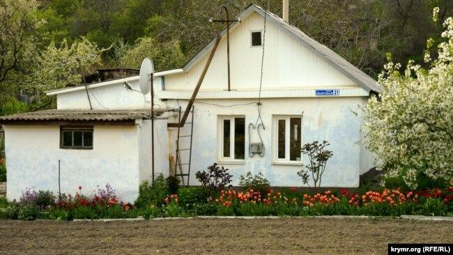 Междуречье: село под «ясновидящей» скалой (фотогалерея)