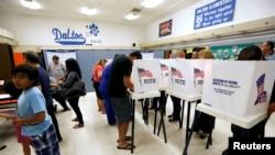 Голосование в школе в Калифорнии. 8 ноября 2016 года.