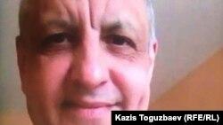 Находящийся в тюрьме Литвы Абдрэшид Кушаев во время видеозвонка по мессенджеру. 18 мая 2020 года.