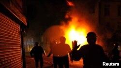 8-август. Улуу Британиянын ордосу Лондон шаарынын Кройдон аймагындагы өрт.