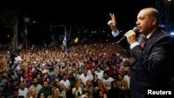 Türkiýäniň prezidenti Rejep Taýýyp Erdogan. 19-njy iýul, 2016 ý. Stambul.
