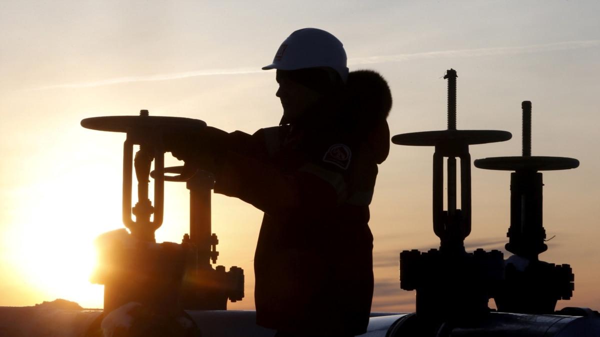 ОПЕК+ согласилась сократить добычу нефти на 9,7 миллионов баррелей нефти