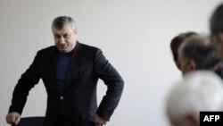 По мнению «народников», российские кураторы стремятся не допустить экс-президента Эдуарда Кокойты к выборам