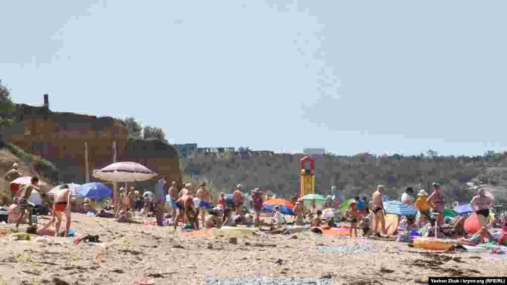 Один із пляжів у Любимівці